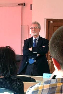 Director Peter Gross speaks at Babes-Bolyai University as part of the 2013 Media Convergence conference.